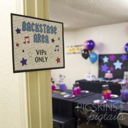 rockstar-backstage-sign-sample